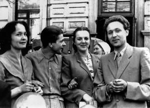 З однокурсниками біля Київської консерваторії