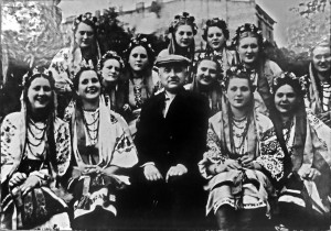 Григорій Верьовка з хористками